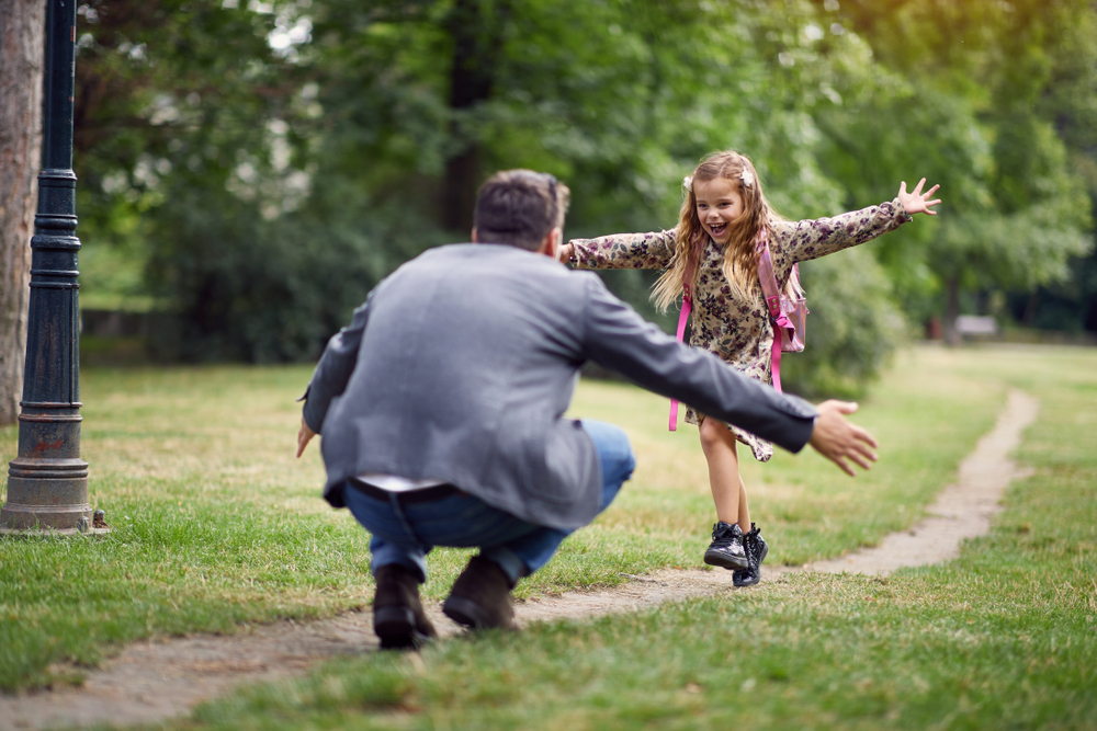 happy-girl-running-towards-man